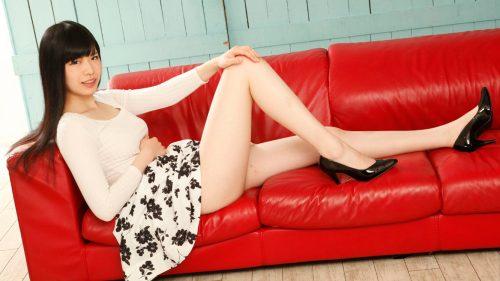 身長180cmのAV女優「泉麻里香」
